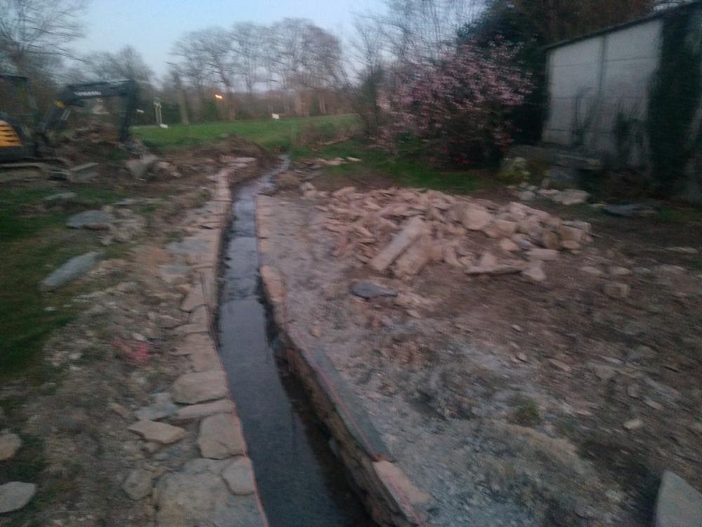 ruisseau en pierre